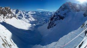 Panorama della montagna di inverno Fotografia Stock