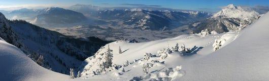 Panorama della montagna di inverno Fotografie Stock