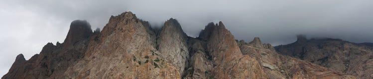 Panorama della montagna di Kara Dag Immagine Stock