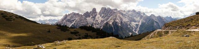 Panorama della montagna - Dolomiti, Italia Fotografie Stock