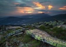 Panorama della montagna durante il tramonto Immagine Stock Libera da Diritti