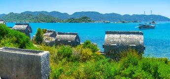 Panorama della necropoli antica, Ucagiz, Kekova, Turchia Fotografia Stock Libera da Diritti