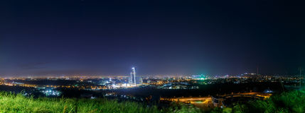 Panorama della notte Almaty Fotografie Stock Libere da Diritti