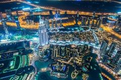 Panorama della notte Dubai durante il tramonto Fotografia Stock
