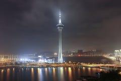 Panorama della notte Macao con la torre di Macao fotografia stock