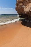 Panorama della spiaggia alla scogliera, Sharm el Sheikh Fotografie Stock Libere da Diritti