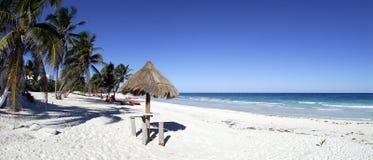 Panorama della spiaggia di paradiso immagini stock