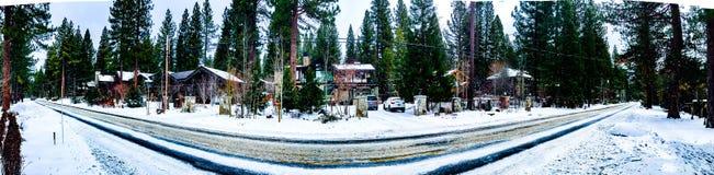 Panorama della strada di Snowy Fotografia Stock Libera da Diritti