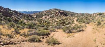 Panorama della traccia di escursione del deserto Fotografie Stock