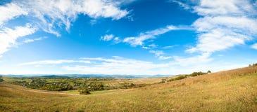 Panorama della valle del paese di autunno. Immagini Stock Libere da Diritti