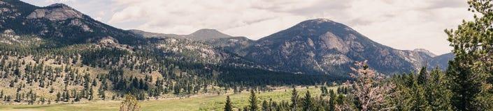 Panorama della valle dell'alta montagna Viaggio a Rocky Mountain National Park Fotografie Stock Libere da Diritti