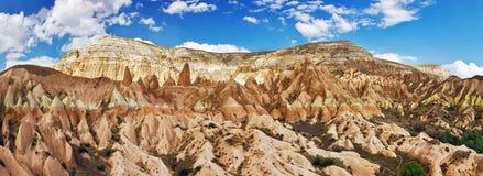 Panorama della valle di Cappadocia con l'alta risoluzione Fotografie Stock