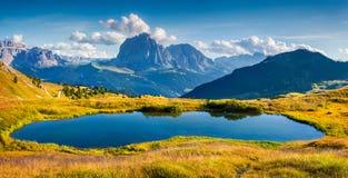 Panorama della valle di Gardena con Sassolungo & x28; Langkofel& x29; montagna Fotografia Stock