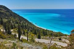 Panorama delle acque blu del mare ionico, Leucade, Grecia fotografia stock libera da diritti