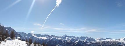 Panorama delle alpi in cielo dell'Italia (Sestriere) Fotografie Stock