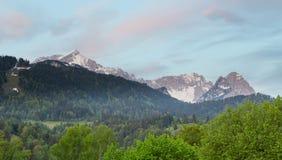 Panorama delle alpi della Baviera Germania di Garmisch-Partenkirchen Immagine Stock Libera da Diritti