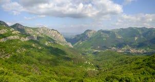 Panorama delle catene montuose 1 Fotografia Stock Libera da Diritti