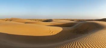 Panorama delle dune in deserto del Thar, Ragiastan, India fotografia stock