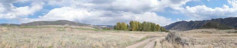 Panorama delle montagne di Colorado, nuovo castello Fotografia Stock