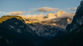 Panorama delle montagne di Dachstein alla luce di tramonto, Austria Fotografia Stock Libera da Diritti