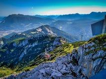 Panorama delle montagne rocciose nelle alpi, Germania fotografia stock