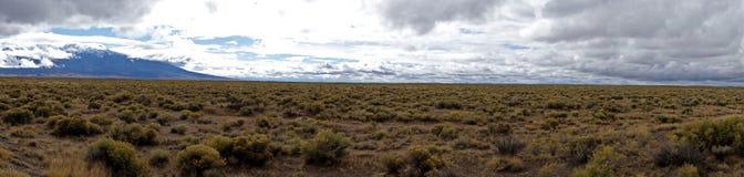Panorama delle pianure dell'alta montagna Immagini Stock