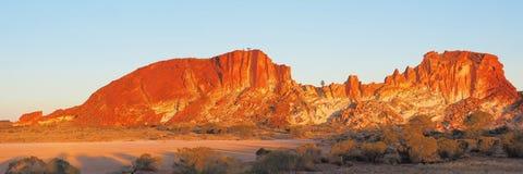 Panorama delle scogliere colourful alla valle dell'arcobaleno fotografia stock libera da diritti