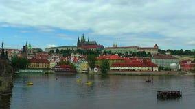 Panorama dello zoom di Città Vecchia a Praga video d archivio