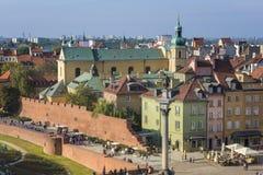 Panorama der alten Stadt- und KönigsZygmunt III Waza Statue in Warschau stockbild