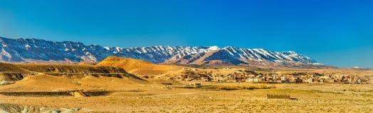 Panorama der Atlas-Berge bei Midelt, Marokko Lizenzfreies Stockfoto