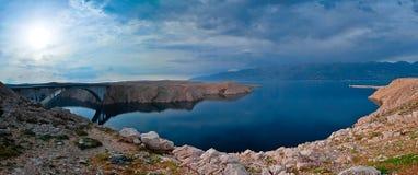 Panorama der Brücke zur PAG-Insel, Kroatien Lizenzfreie Stockfotos