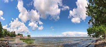 Panorama der Bucht auf der baltischen Küste Stockfotografie