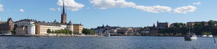 Panorama der Bucht und der Skyline in Stockholm stockbilder