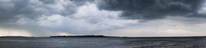 Panorama der drastischen Stimmung vor Sturm Lizenzfreies Stockfoto