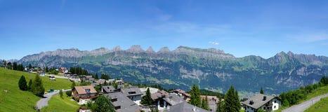 Panorama der Gebirgskette Churfirsten Stockfotografie