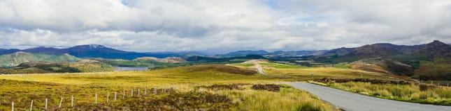 Panorama der großen Schlucht oder des Glen Mores im schottischen Hochland nahe Loch Ness stockbilder