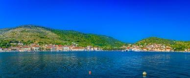 Panorama der Insel-Kraft, adriatische Küste Lizenzfreies Stockbild