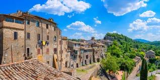 Panorama der schönen mittelalterlichen Stadt von Bomarzo lizenzfreies stockbild