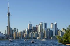 Panorama der Stadt von Toronto gegen den blauen Himmel Stockfoto