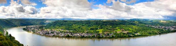 Panorama der Stadtlandschaft auf dem Rhein stockfotografie