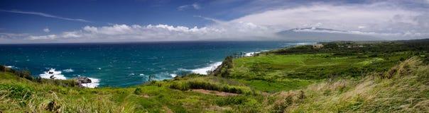 Panorama der Steigungen die West-Maui-Berge Stockfotos