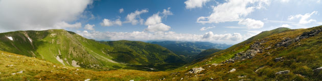 Panorama der Ukraine-Berge Lizenzfreie Stockfotografie