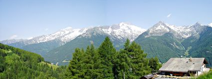 Panorama der Zillertaler Alpen im SÃ ¼ dtirol Lizenzfreie Stockfotos