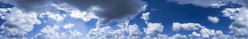 Panorama des blauen Himmels Lizenzfreies Stockbild