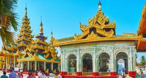 Panorama des Chambres d'image à l'entrée du nord de Shwedagon, image libre de droits