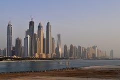Panorama des gratte-ciel modernes dans la ville de Dubaï, Dubaï, Emirats Arabes Unis Photographie stock