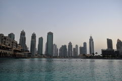 Panorama des gratte-ciel modernes dans la ville de Dubaï, Dubaï, Emirats Arabes Unis Photographie stock libre de droits