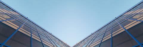 Panorama des gratte-ciel résidentiels de central téléphonique Images stock