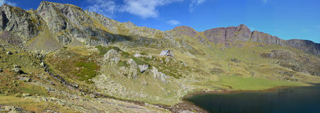 Panorama des Herbstes Pyrenäen-Atlantiques Stockbilder