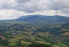 Panorama des italienischen Apennines und der Täler von Emilia Roma stockfotos